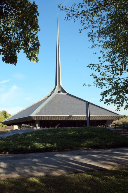 a church by Eero Saarinen
