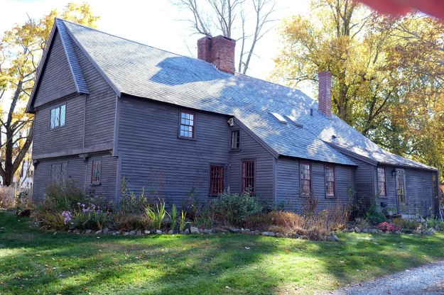 the Capen house in Toppsfield, from 1670.